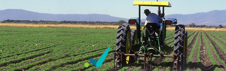 http://servicesaws.iadb.org/wmsfiles/images/742x234/agriculture-field-tractor-243.jpg
